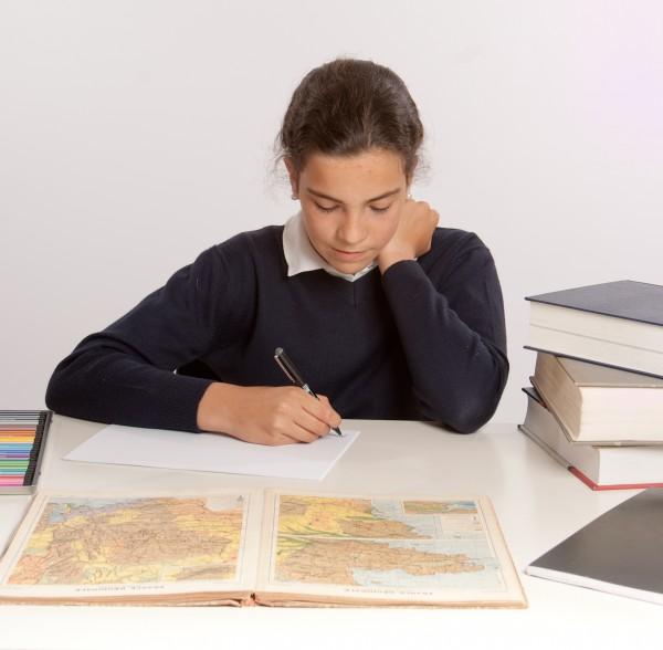 estudio escribir educacion marron caucasico uniforme
