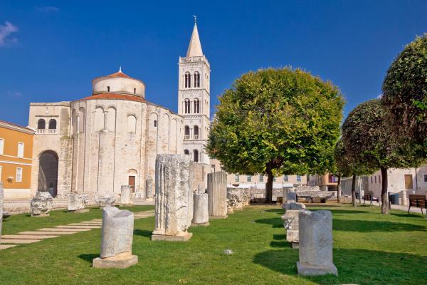 torre iglesia catedral lugar de culto