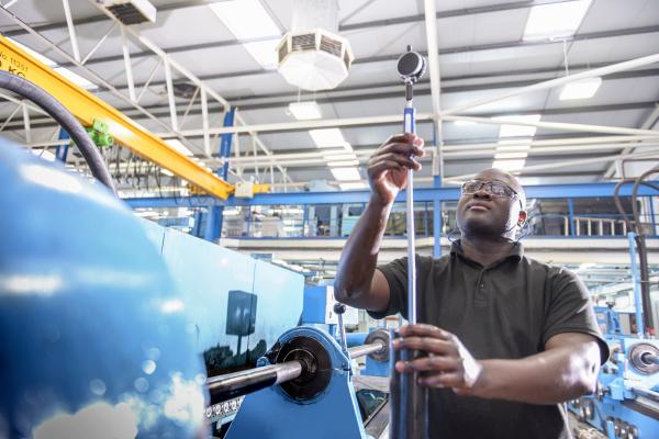 componente industria tecnologia acero concentracion posicion