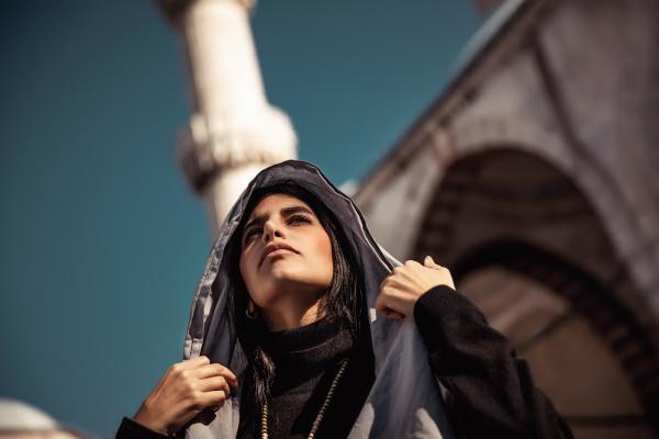hermosa mujer arabe