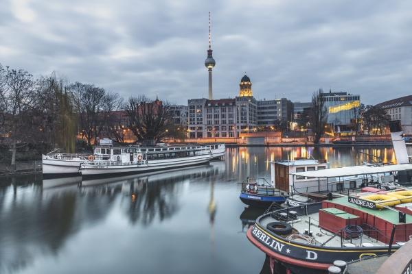 alemania berlin mitte puerto historico rio
