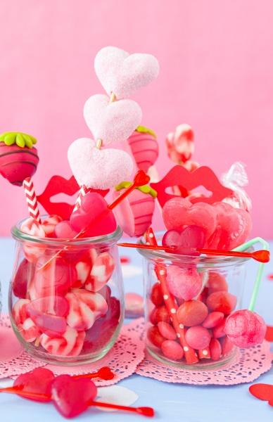 pequenyo frasco con lindos dulces para