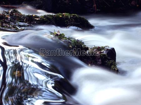 agua flotante 01