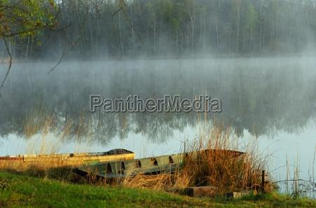 barcos niebla