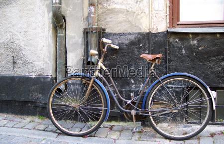 silla rueda casco antiguo suecia vehiculo