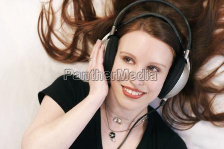 mujer risilla sonrisas hermoso bueno musica