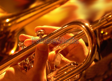 trompetas navidenyas