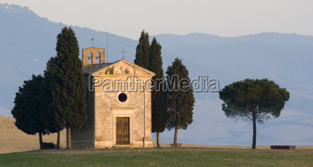 evening atmosphere at val d orcia