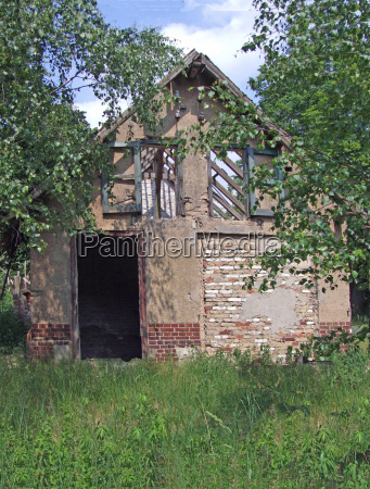 casa construccion historia ventana madera luz