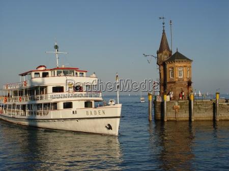 fiesta vacaciones navegacion tarde puerto lago