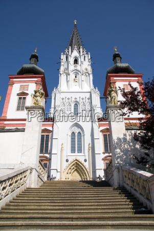 pensar iglesia catedral austria atraccion plaza