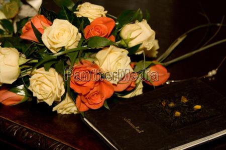 boda matrimonio rosas fiesta celebracion ramo