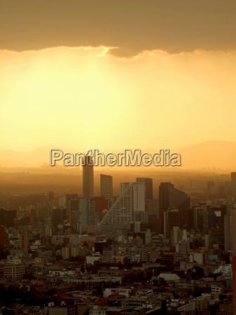 smog sobre ciudad de mexico