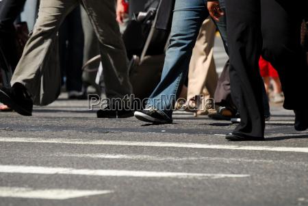 peatones en las cebras trefen