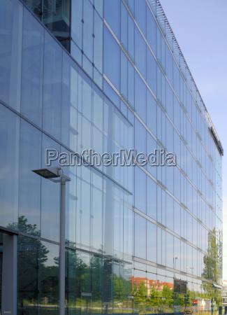 oficina casa edificio de varios pisos