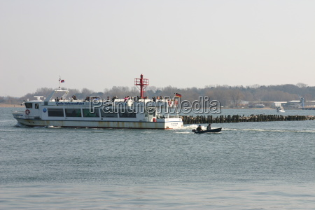 hansestadt ceu porto de cruzeiros agua