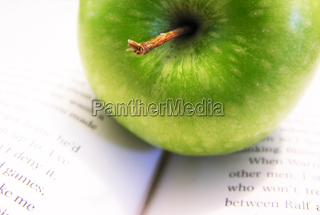 apple fruit green diet healthy brainy