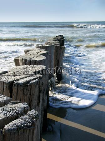 rompeolas playa del mar del norte