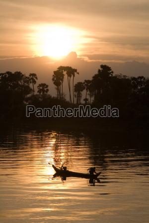 asia puesta del sol tarde pescado