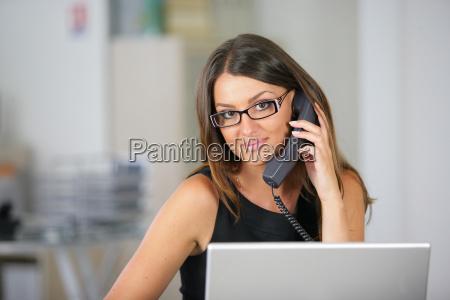 mujer telefono oficina secretario negocios trabajo