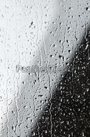 gotas de agua sobre una ventana