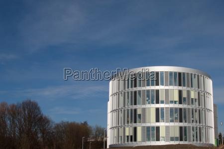 edificio de oficinas redondas