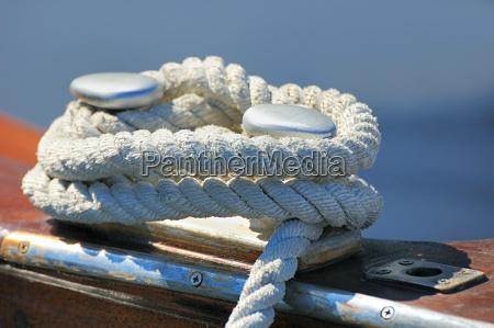 barco amarrado