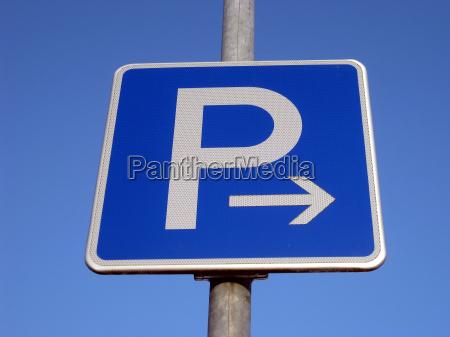 estacionamiento a la derecha