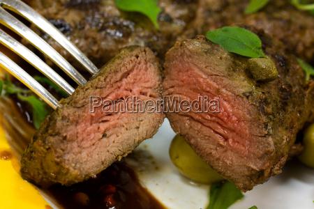 medallones de cordero bistec con