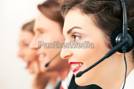 equipo del centro de llamadas que