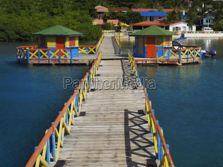 muelle en el mar el puente