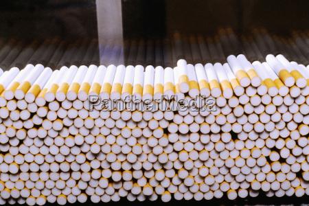 cigarrillo peligro primer plano color riesgo