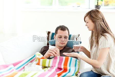 mujer vidrio vaso risilla sonrisas medicinal