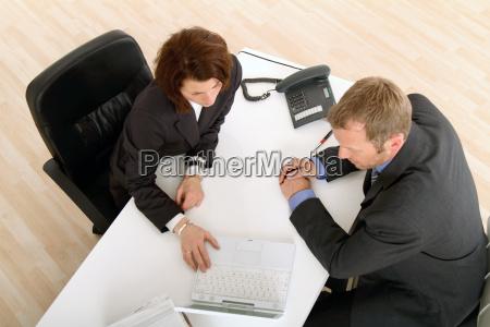 reunion en el escritorio