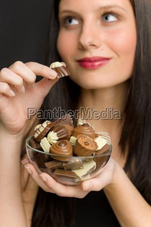 chocolate retrato mujer joven disfrutar de
