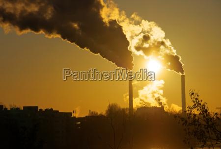 salida del sol con la contaminacion