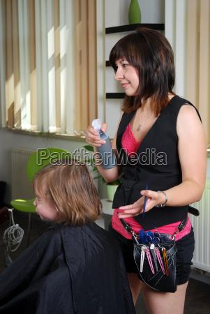 cabello peluquero ninyo cliente