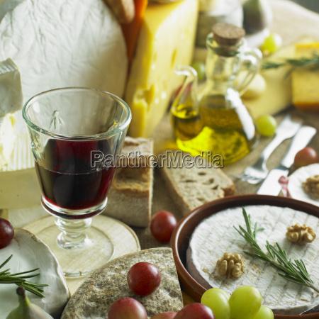 queso bodegon con vino tinto