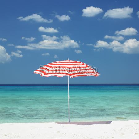 sombrilla maria la gorda beach provincia