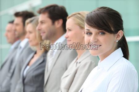 linea de los empleados con el
