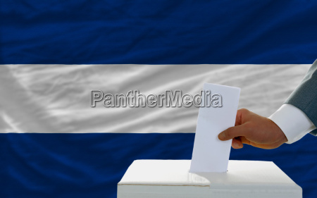 man voting on elections in nicaragua