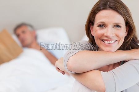 mujer risilla sonrisas hermoso bueno interior