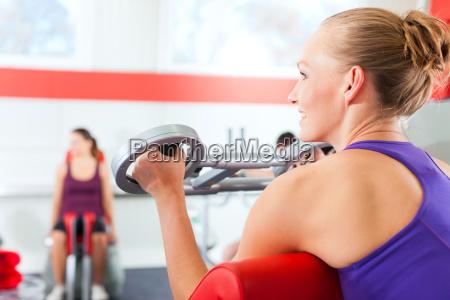 mujer salud deporte deportes formacion tren
