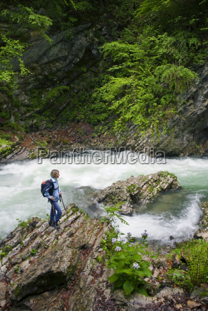 deporte deportes activo senderismo rio agua