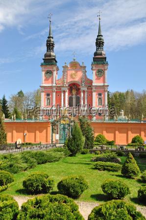 la famosa iglesia de peregrinacion swieta