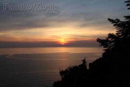 puesta del sol playa la playa