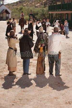 americano caucasico vaquero casco caracteres