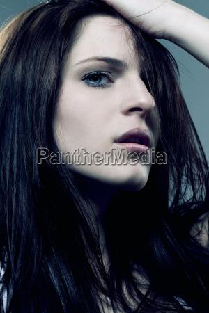 mujer hermoso bueno sentimientos marron retrato