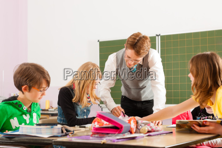los, niños, y, maestros, aprenden, en - 7445531