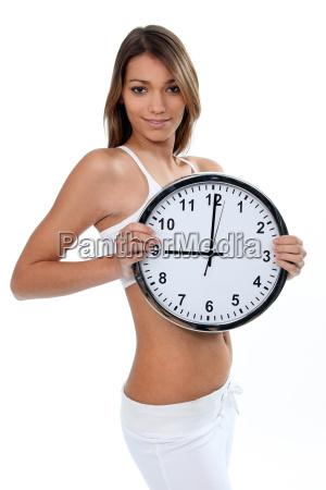 mujer en ropa interior blanco con